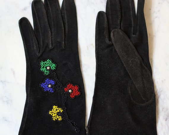 1940s black beaded gloves // 1940s gloves // vintage gloves