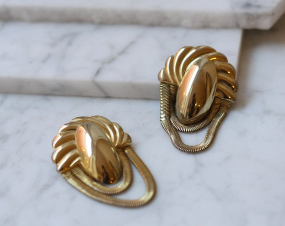 1980s gold chain earrings // modern earrings // vintage earrings