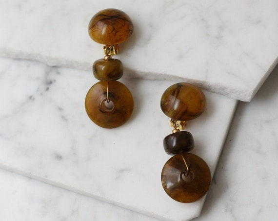 1980s amber drop earrings // 1980s plastic earrings // vintage earrings