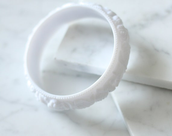 1970s carved plastic bangle // cuff bracelet // vintage jewlery