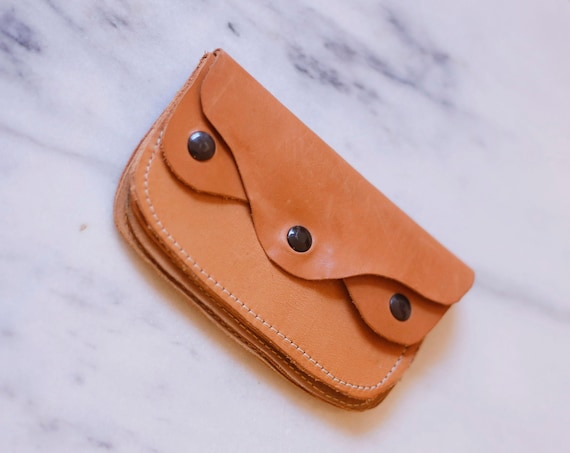 1970s small leather wallet // 1970s leather wallet // vintage wallet