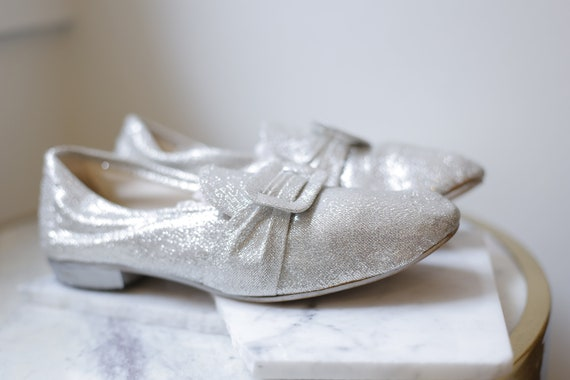 1960s silver sparkle slippers // 1960s silver booties // vintage slippers