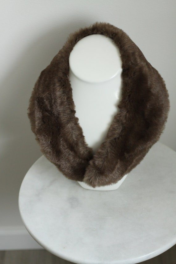 1960s short fur collar // brown fur collar // vintage fur collar