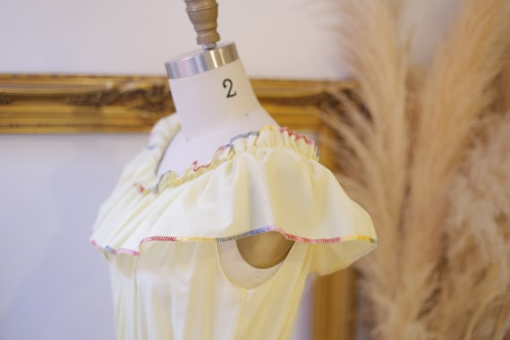 1970s off the shoulder dress // 1970s yellow ruff… - image 7