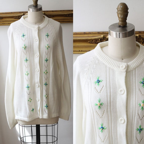 1970s white floral cardigan // vintage sportswear // vintage womens