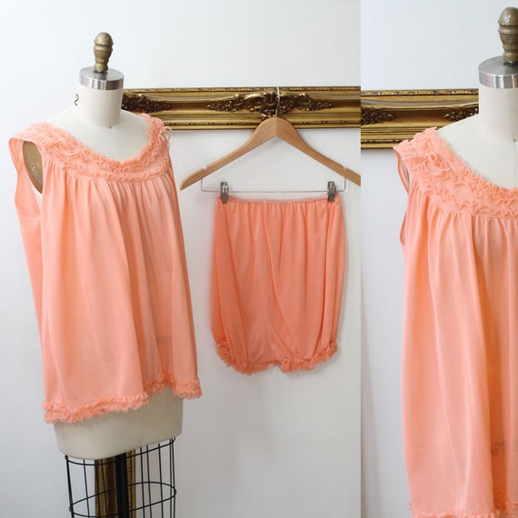 1960s peach two piece negligee set // Vintage ling
