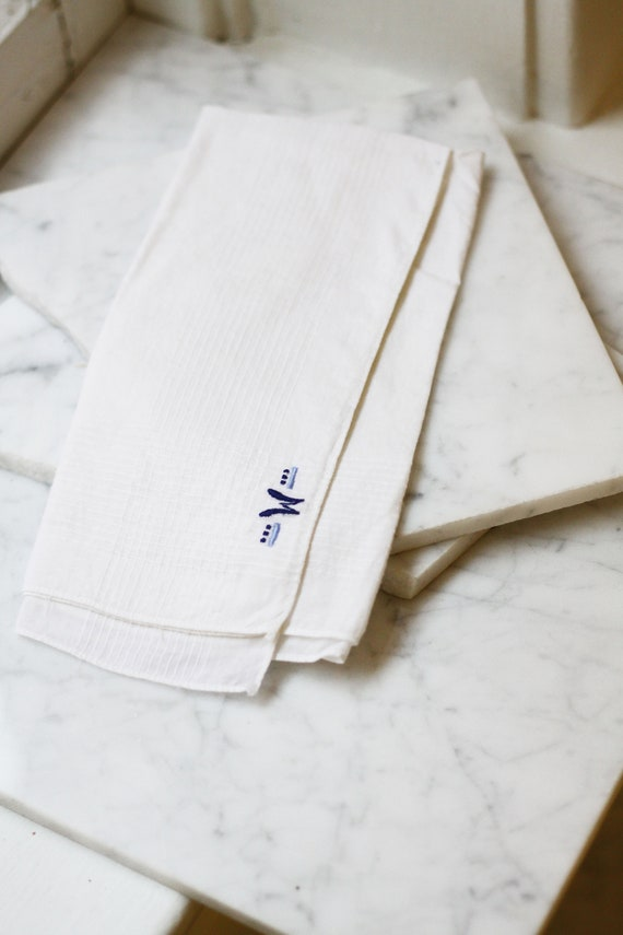 1950s W monogram hankie // 1950s handkerchief // vintage monogram