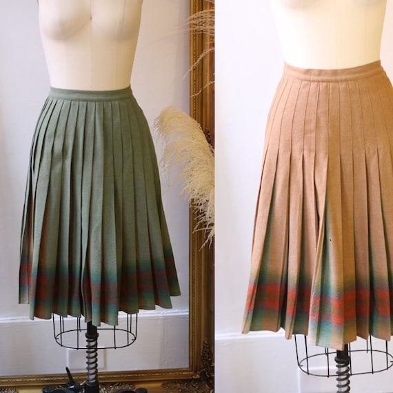 1970s plaid pleated skirt // Reversible plaid skirt // vintage skirt
