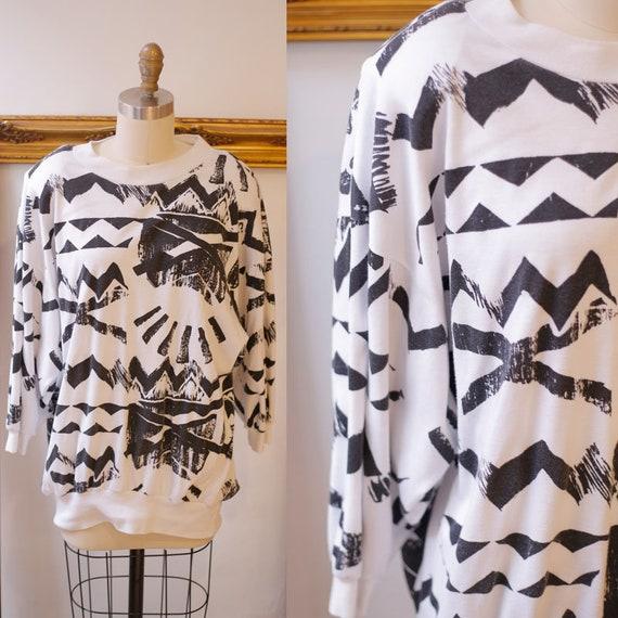 1980s geo print sweatshirt // 1980s white and black sweatshirt // vintage sweatshirt
