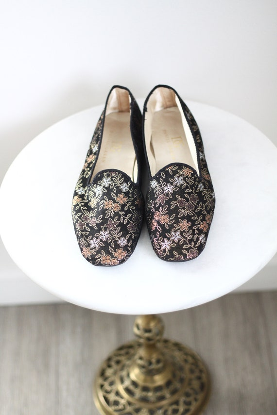 1980s brocade slippers shoes // black brocade slippers // vintage shoes