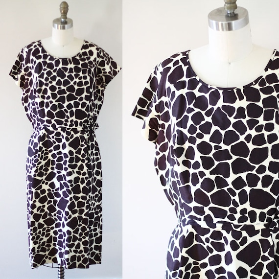 1960s giraffe print sheath dress // 1960s novelty print dress // vintage day dress