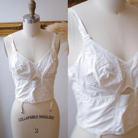 1950s bullet bra // 1950s pin up bra // Vintage Bra