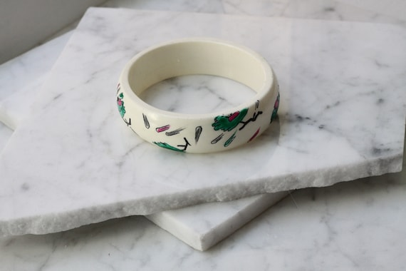 1960s white painted bangle // cuff bracelet // vintage jewlery