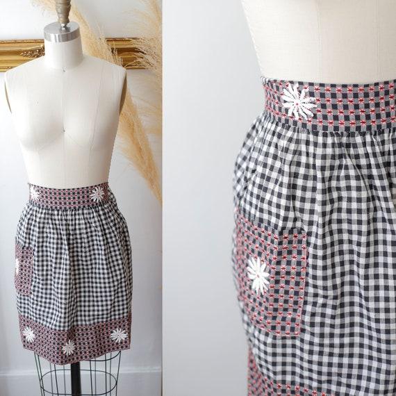 1960s checkered apron // vintage daisy apron //vintage apron