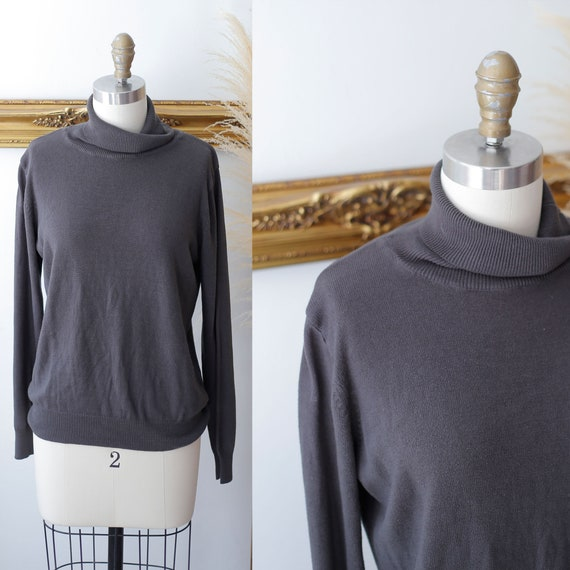 1980s thin knit turtleneck // 1980s charcoal sweater // vintage knit