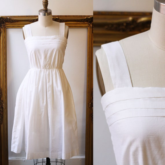 1970s white pleated dress // 1970s summer dress // vintage dress