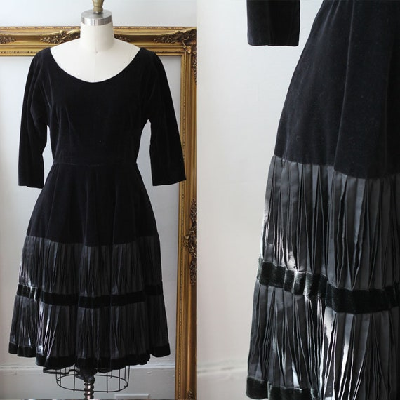 1960s black velvet dress // little black dress // vintage velvet and pleated dress