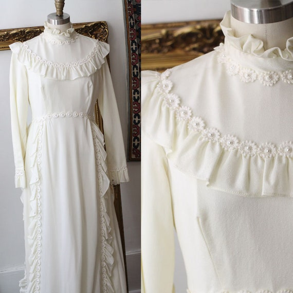 1970s long sleeve ruffle wedding dress // 1970s ruffle wedding dress // vintage bridal dress