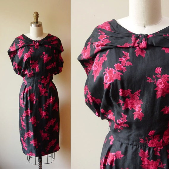 1950s Red Floral Wiggle Dress // Silk // vintage dress