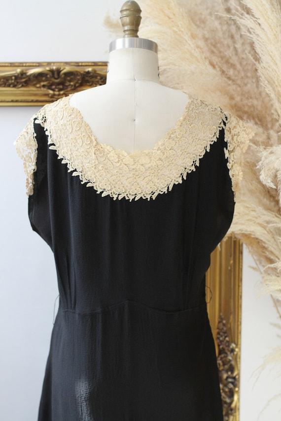 1920s black crepe dress // 1920s lace flapper dre… - image 7