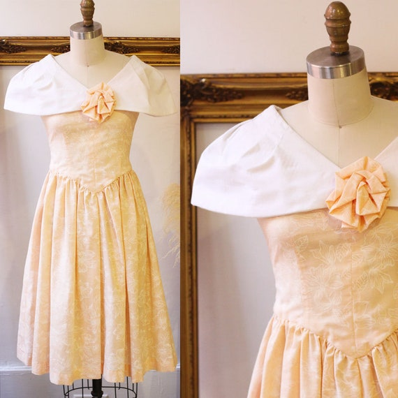 1980s peach roses dress // 1980s swing dress // vintage dress