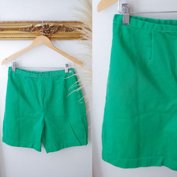 1950s green shorts //1960s green shorts // vintage shorts