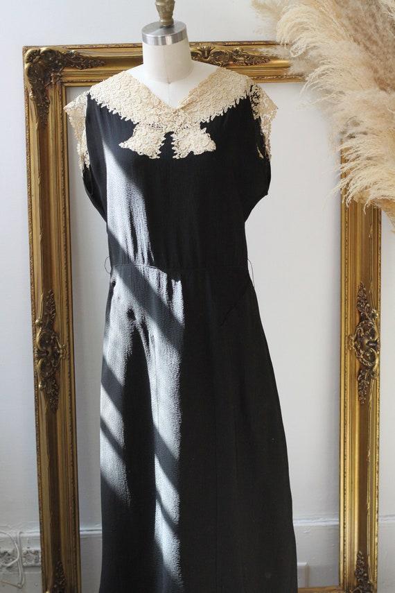 1920s black crepe dress // 1920s lace flapper dre… - image 2