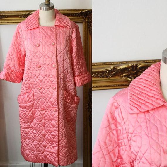 1960s quilted bed jacket // 1960s pink bed jacket // vintage jacket