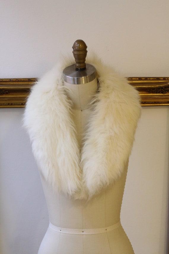 1960s short white fur collar // white fur collar // vintage fur collar