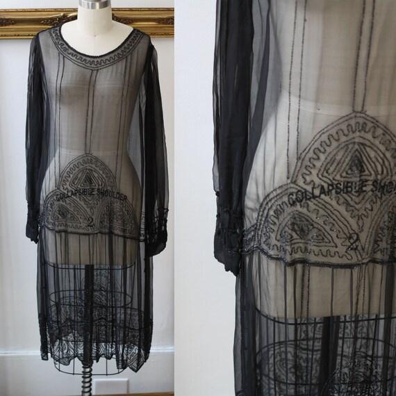 1920s black silk beaded dress // 1920s flapper dress  // antique dress