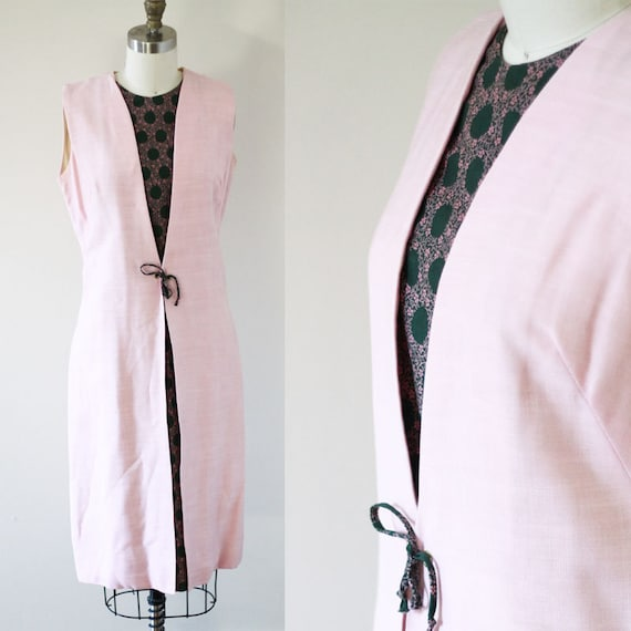 1960s pale pink sheath dress // 1960s paisley pink dress // vintage dress