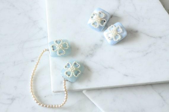1960s blue flower sweater clip // vintage sweater clip // vintage earring set
