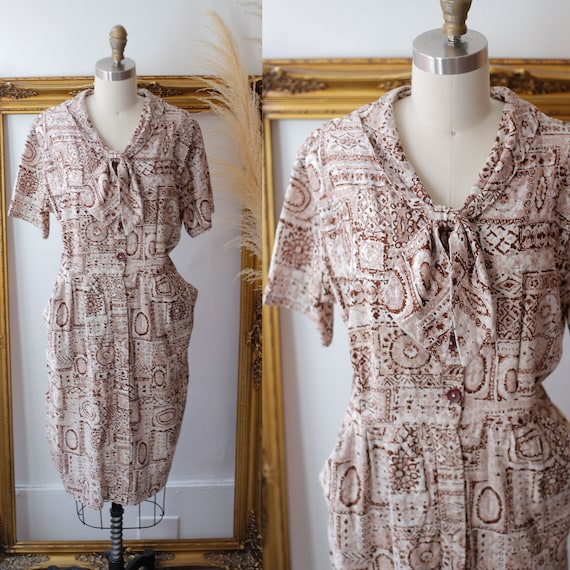 1960s sheath dress // 1960s novelty print dress // vintage brown dress