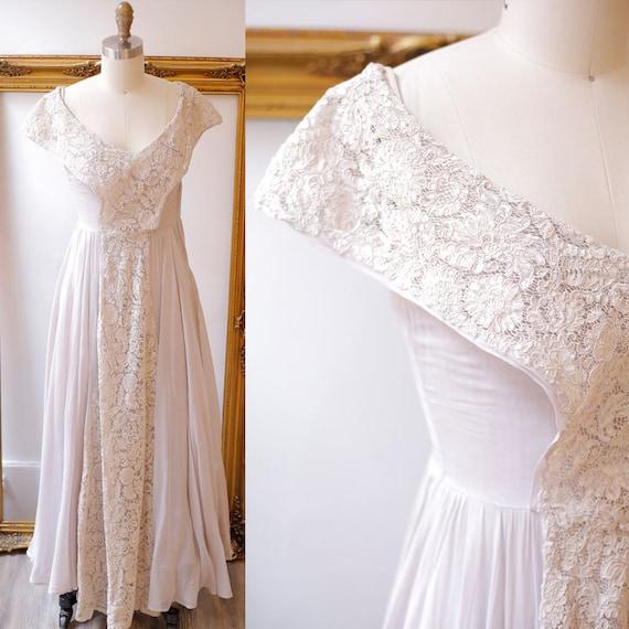 1950s lilac lace cocktail dress // 1950s purple party dress // vintage party dress