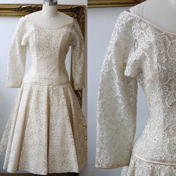 1950s champagne lace dress // 1950s cream wedding dress // vintage dress