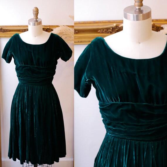 1960s green velvet mini dress // 1960s velvet skater dress // vintage dress