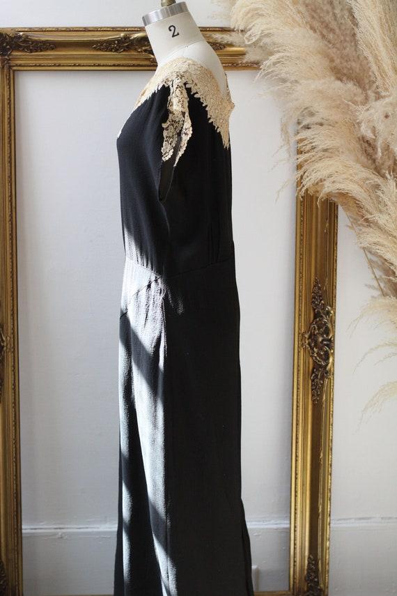1920s black crepe dress // 1920s lace flapper dre… - image 6