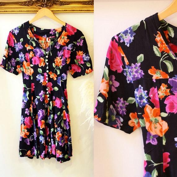 1980s short sleeve floral romper // 1980s floral romper // 1980s short sleeve romper