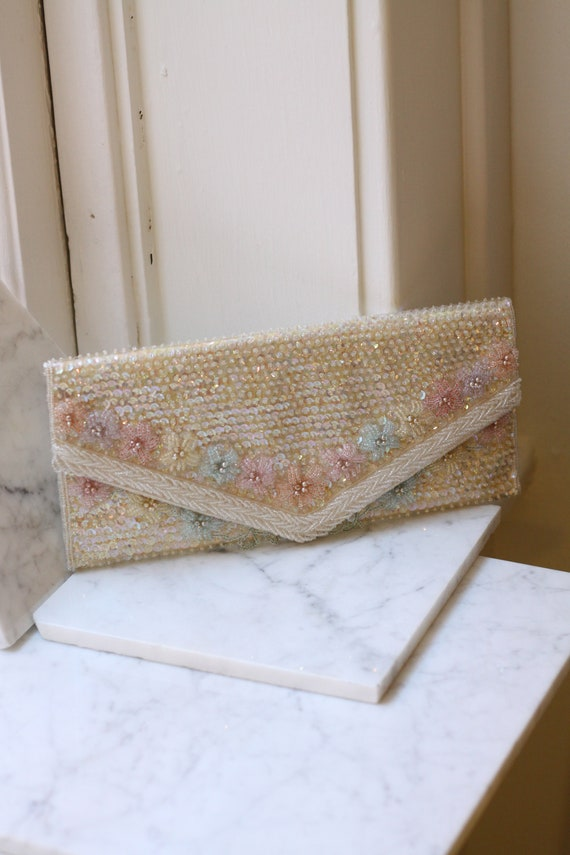 1970s white sequin clutch // 1970s beaded clutch// vintage purse