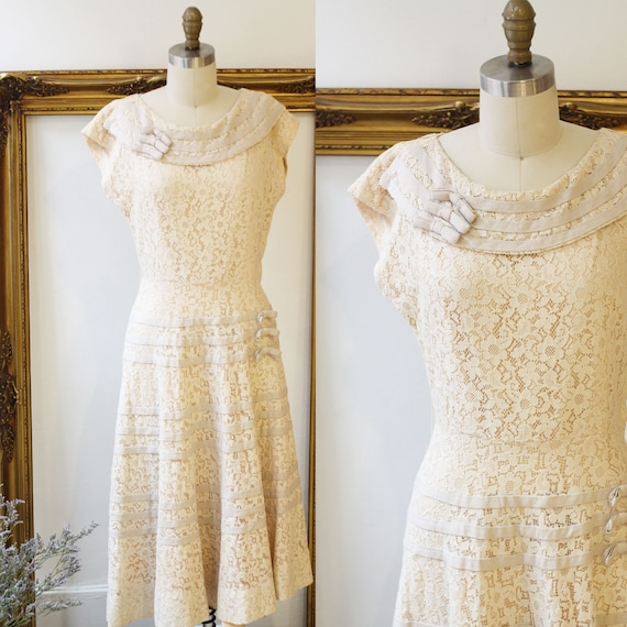 1950s champagne lace dress // 1950s lace swing dress // vintage dress