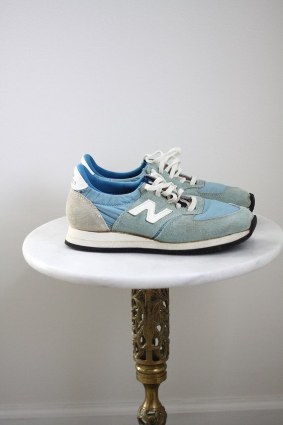1970s blue New Balance sneakers // vintage New Balance // vintage shoes