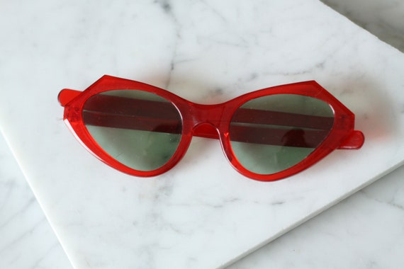 1960s Red Sunglasses // 1960s glasses  // vintage sunglasses
