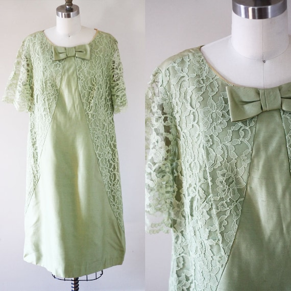 1960s green lace shift dress // 1960s lace dress // vintage dress