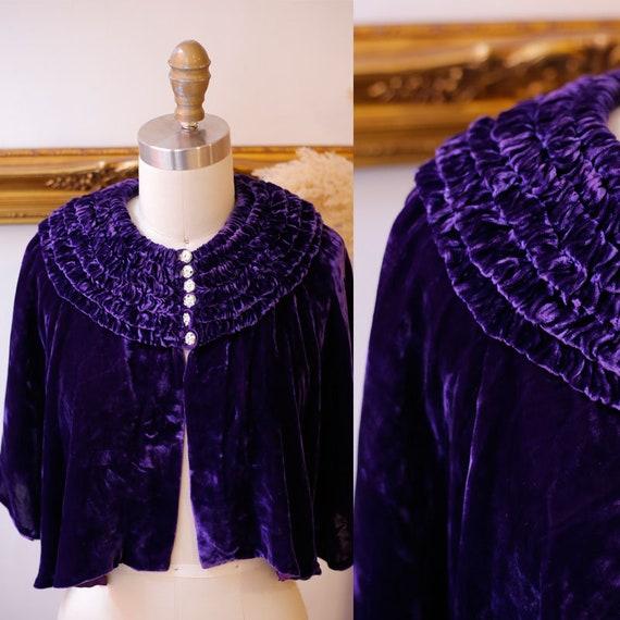 1930s purple velvet cape // 1930s capelet // Vintage Capes