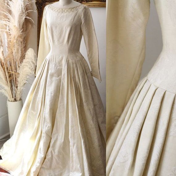 1960s long sleeve brocade wedding dress  // 1960s brocade wedding dress // vintage bridal dress