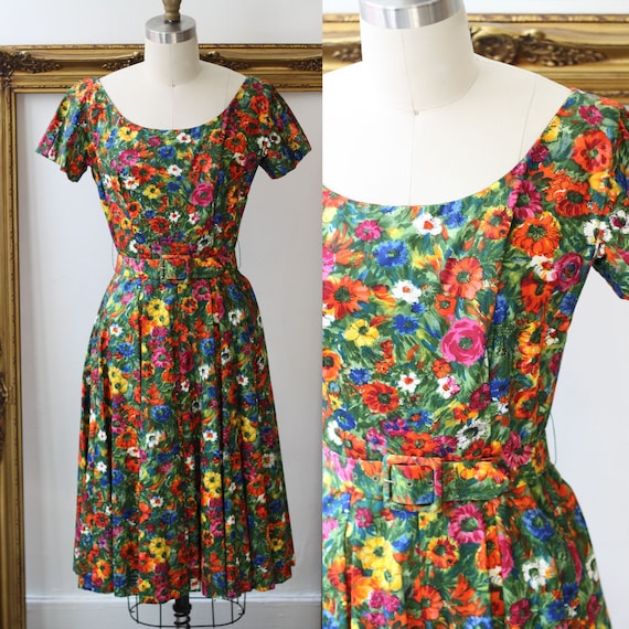1950s small floral print dress // 1950s summer dress // vintage dress