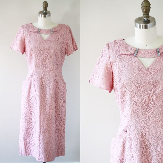 1950s pink lace dress// 1950s keyhole lace dress // vintage dress