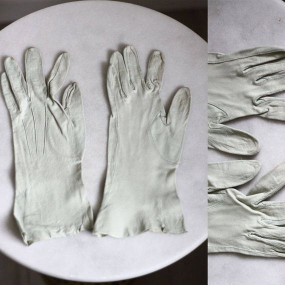 1950s off white leather gloves // cocktail gloves // vintage gloves