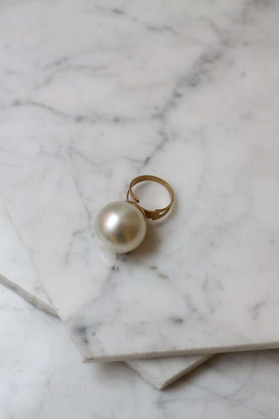 1960s Gold and Pearl Cocktail Ring // 1960s cocktail ring // Vintage statement ring