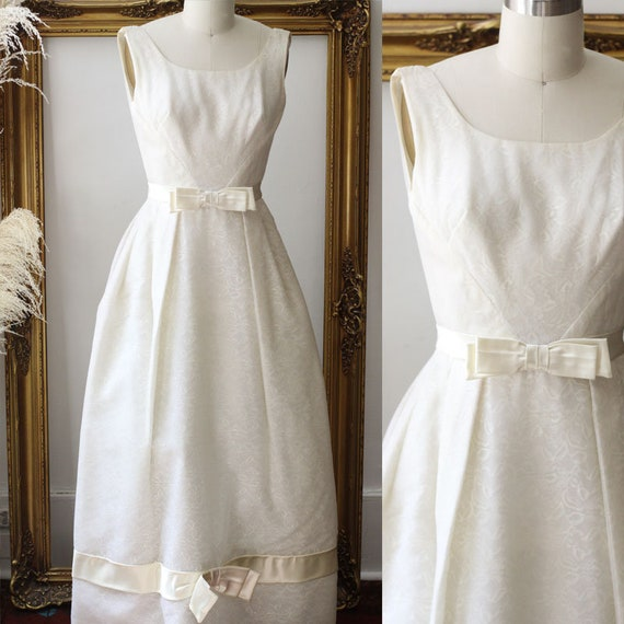 1960s sleeveless column wedding dress  // 1960s bow wedding dress // deadstock bridal dress